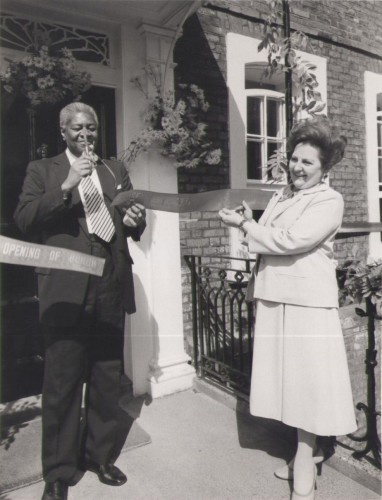 Lord David Pitt and Princess Helena Moutafian cutting the ribbon